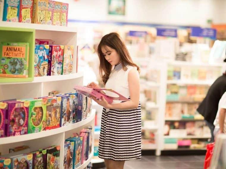 svavy shopping for kids