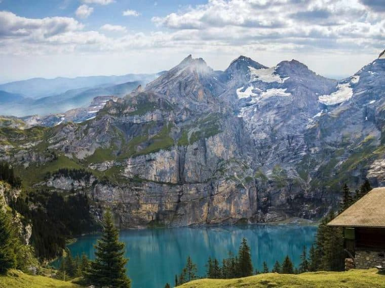 5 best places to visit in switzerland. mountain view